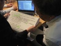 Die Teilnehmer schreiben die entwickeltenZielbilder direkt in den Computer.