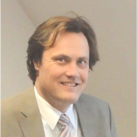 Porträt von Dr. Stefan Neser